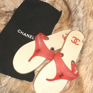 CHANEL Interlocking CC Thong Sandals